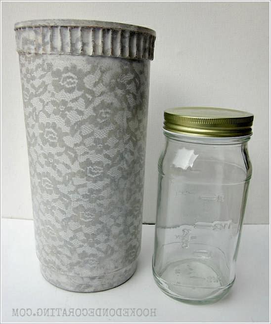 Ваза для цветов из глиняного горшка.  Vase from a clay pot.