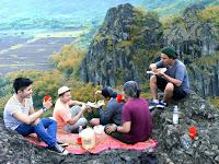 Indahnya Wisata Sukoharjo Di Gunung Sepikul Bersama Pujaan Hati