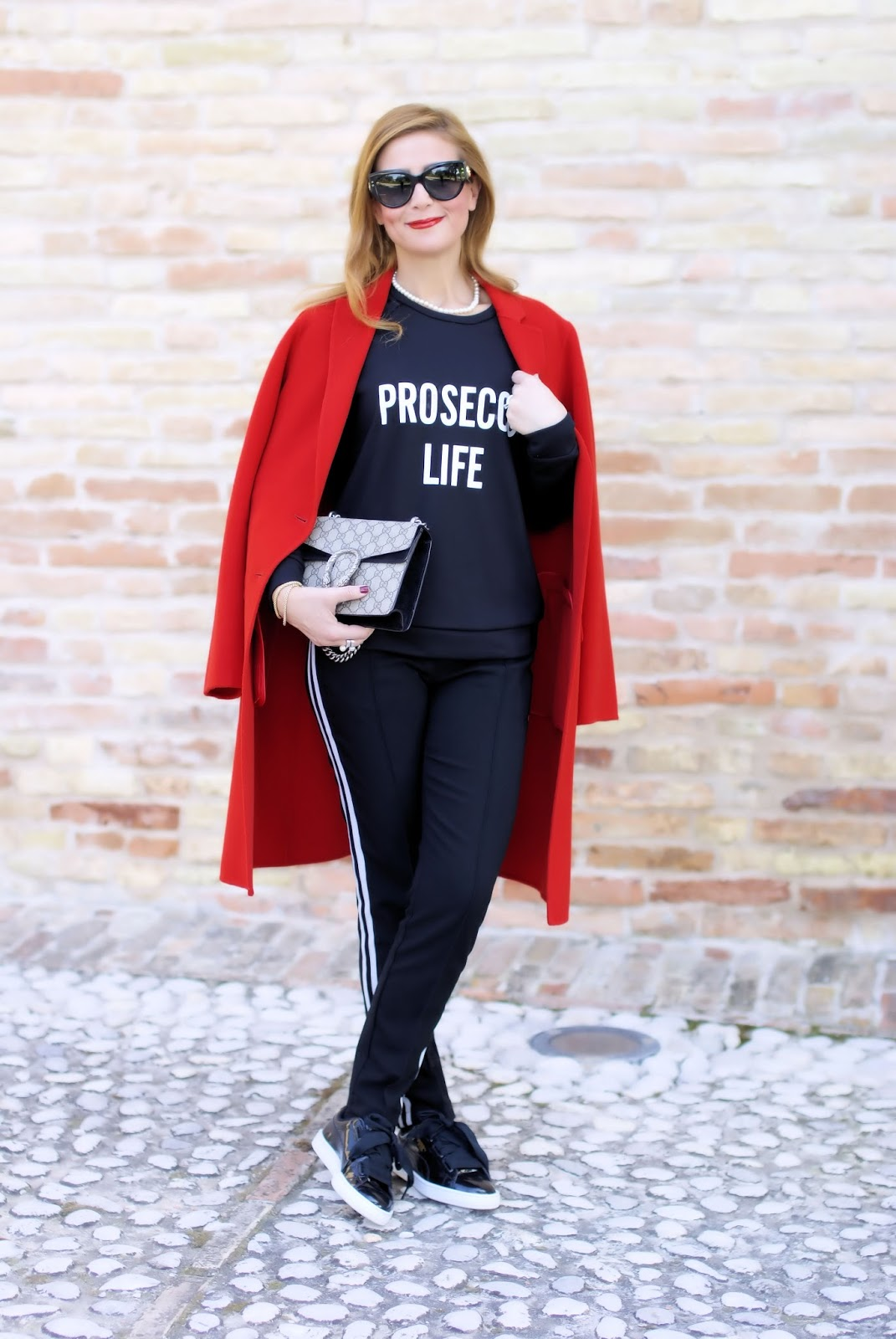 How to wear a read coat with 1.2.3 Paris and prosecco life sweatshirt on Fashion and Cookies fashion blog