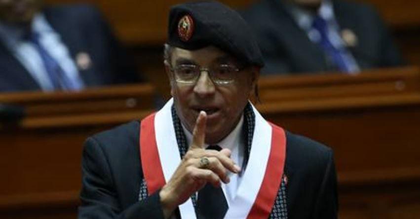 Congreso de la República evalúa hoy informe para levantar inmunidad a parlamentario Edwin Donayre por el robo de combustible en una dependencia militar