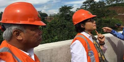 Helm Proyek Warna Oranye Dan Artinya