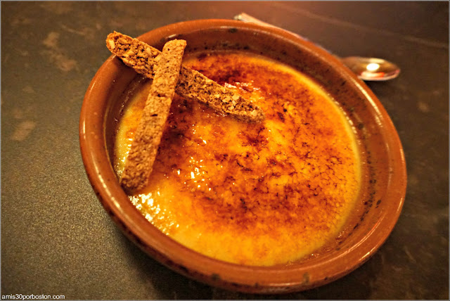 Crema Catalana en el Restaurante Leña de Mercado Little Spain