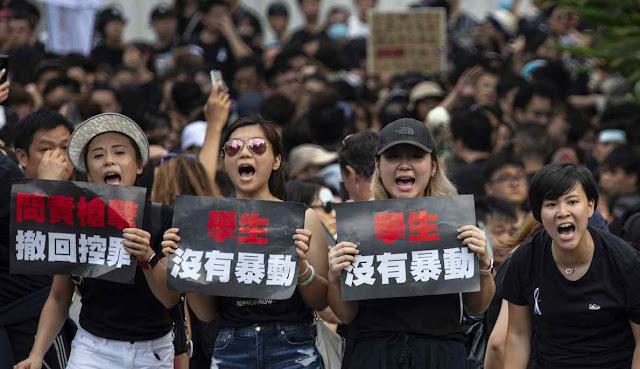 Não ao regime comunista de Pequim em Hong Kong.