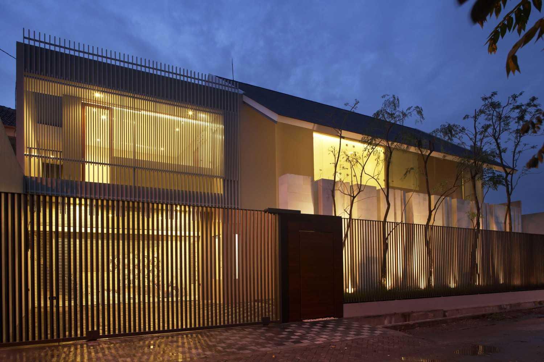 Thiết kế hàng rào đơn giản cho ngôi nhà tối giản nhưng sang trọng