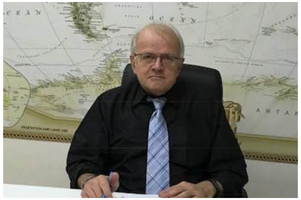 Οργή Τσελέντη για δήλωση συναδέρφου του: «Δεν ντρεπόμαστε καθόλου;»