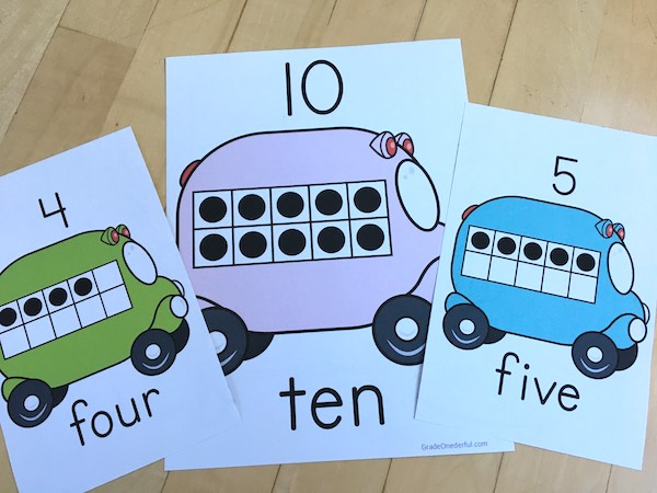 Free 10-frame posters for your classroom. Rainbow colours!