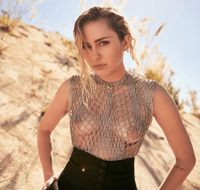 Miley Cyrus Desafía Censura De Instagram Publicando En Topless Foto 1