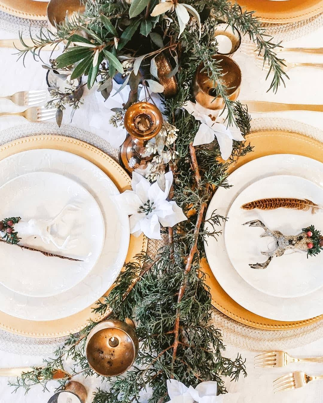 Christmas Wedding Table Setting