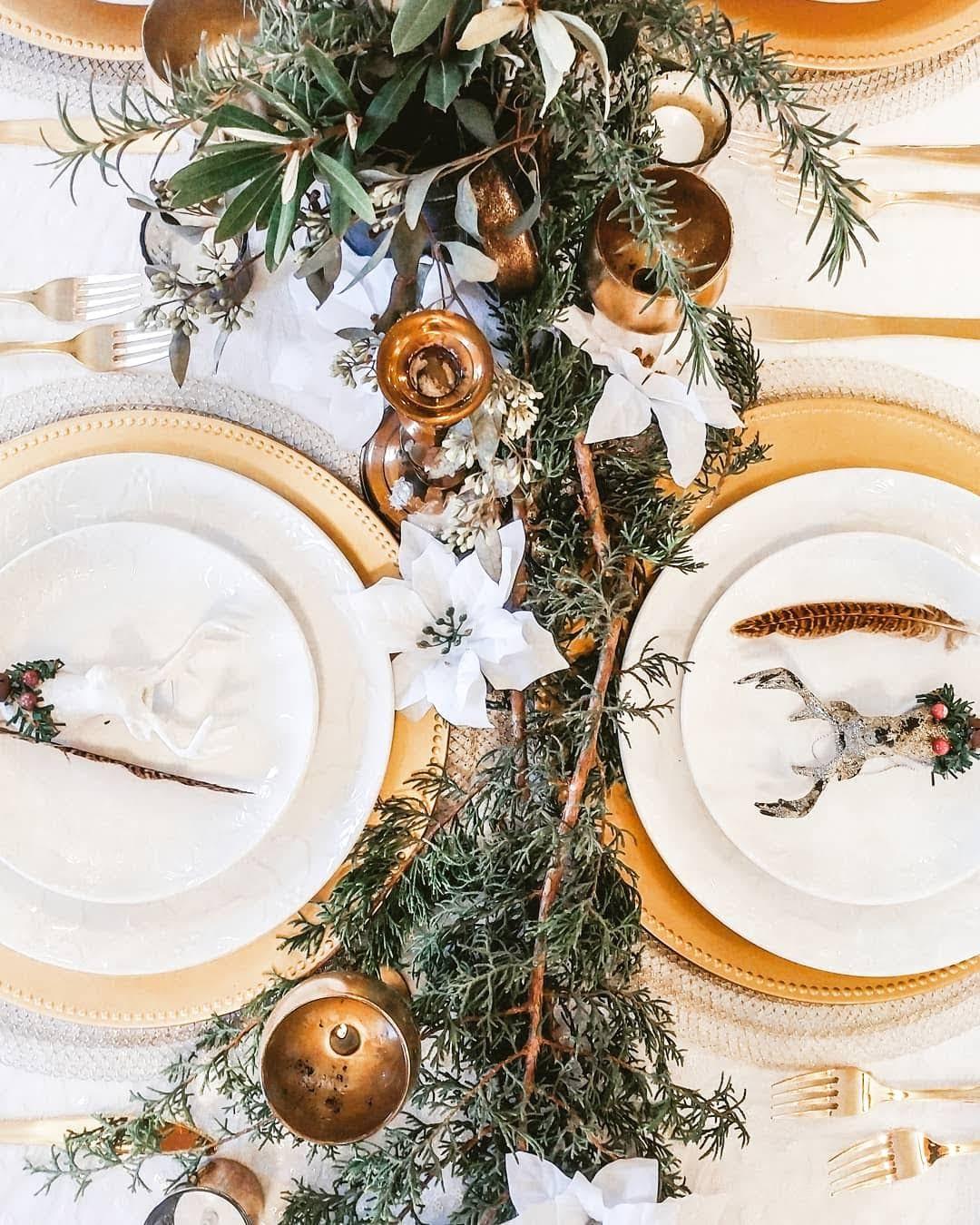 Christmas Wedding Table Setting