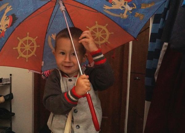 poranki z dziećmi - Szymek z parasolem