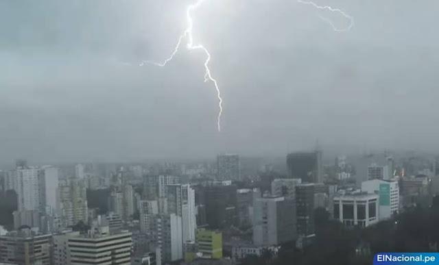 Truenos, rayos y relámpagos en Lima hoy