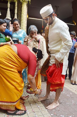 ritual-performed-akshai-sameera-mother