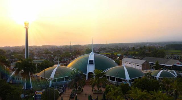 Masjid Jami Al Baitul Amien Jember
