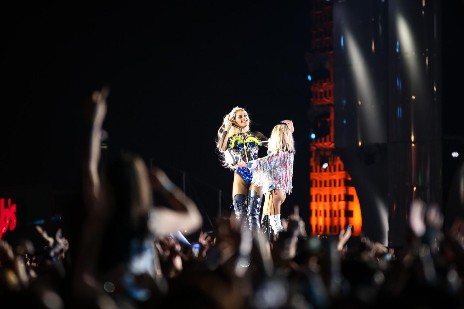 Pabllo Vittar faz participação surpresa em show da Fergie no Rock in Rio