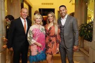 Carlos With His Wife And Parents
