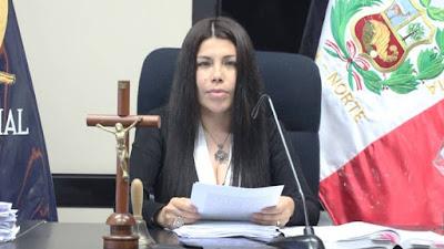Jueza que ordenó prisión preventiva contra 16 policías denuncia llamadas anónimas