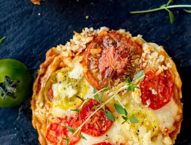 Cheese and Tomato Tarts Recipe