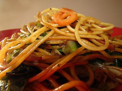 Paste cu spanac și sos de soia - Rețetă de post (vegană & vegetariană)