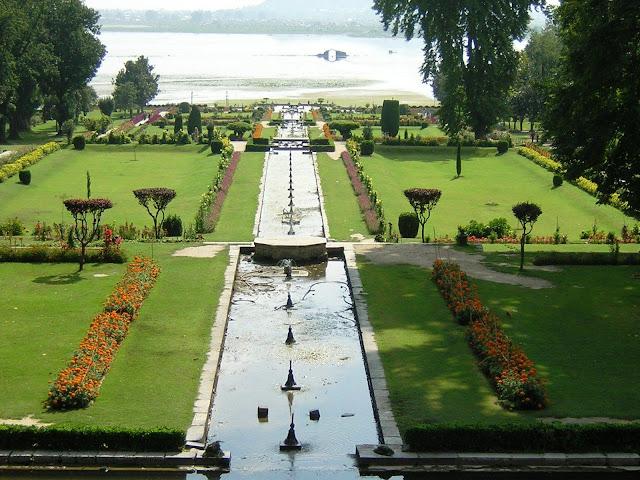 2-Mughal-Gardens-Srinagar