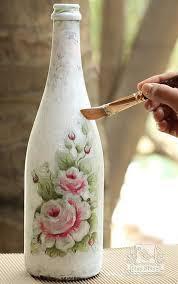 Garrafas decoradas com decoupagem