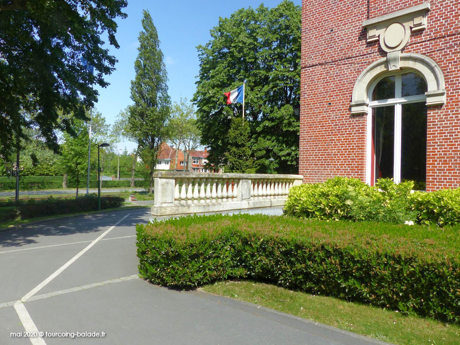 Hôtel de Ville de Mouvaux sur Boulevard Carnot