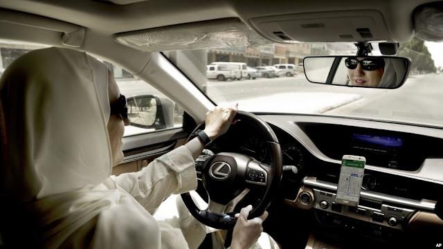 Kini, Banyak Perempuan Afghanistan Diizinkan Menyetir