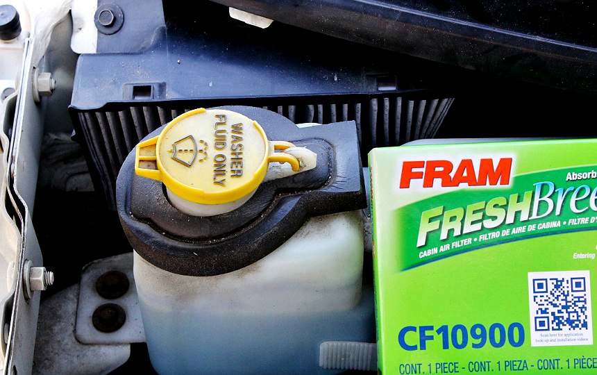 How to change your cabin air filter- and other simple tips to refresh your car's air quality! #FRAMFreshBreeze #AD