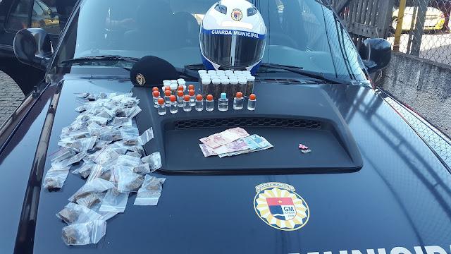 Equipe de motos do Apoio Tático da Guarda Municipal de Jundiaí encontra drogas