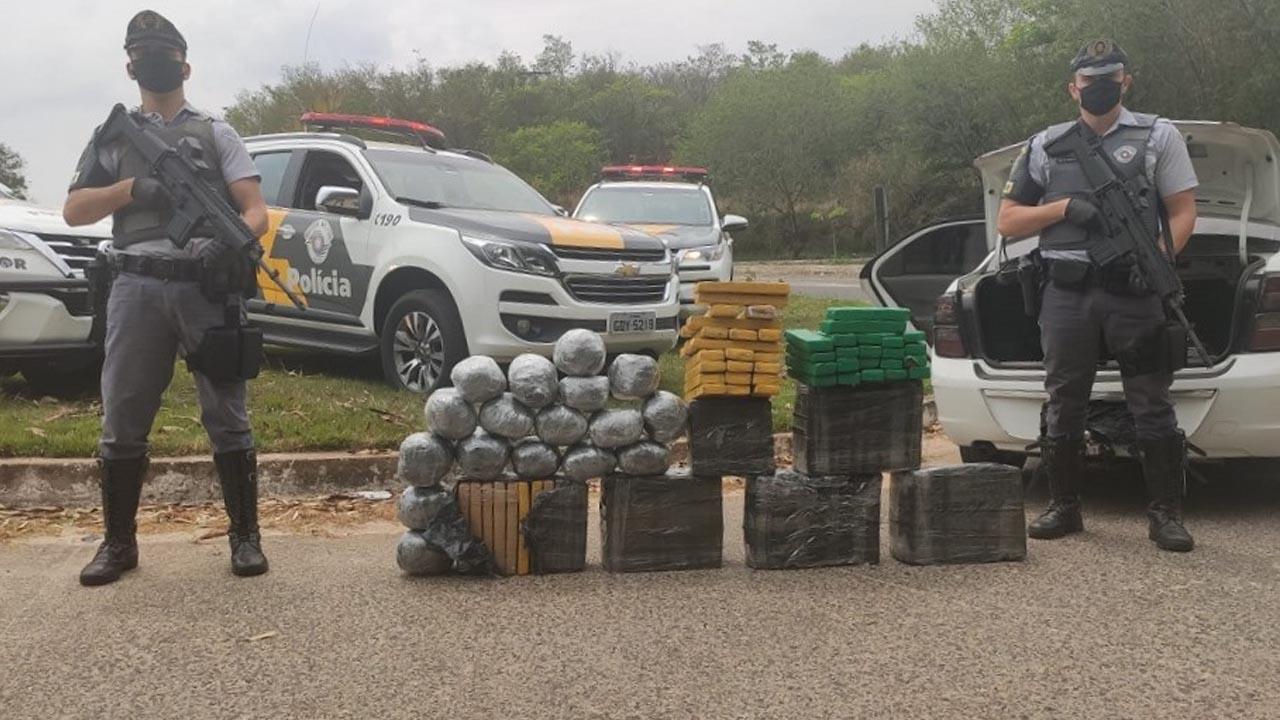 Polícia Rodoviária detém casal e apreende 173 tijolos de maconha em Chavantes