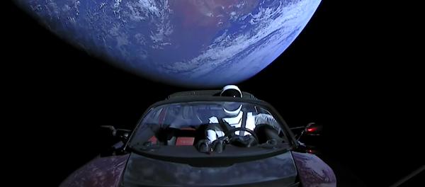Η Εντυπωσιακή Βόλτα Ενός Κόκκινου Tesla Roadster Στο Διάστημα (Βίντεο)