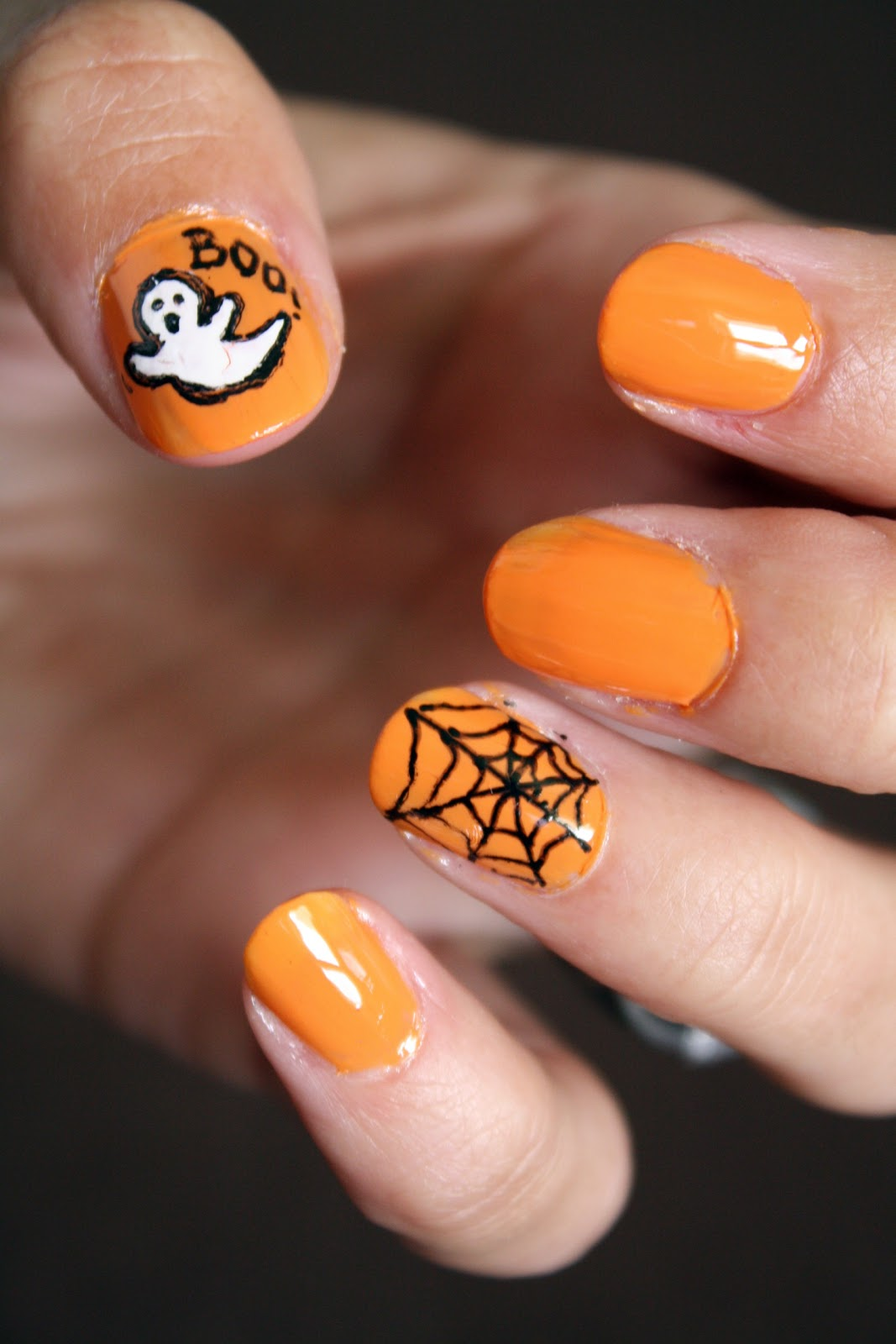Halloween Nails: Tails To Tell: Halloween Nails