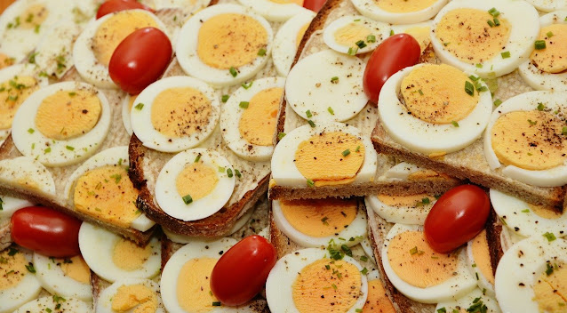 Huevos con tostadas fuente de aminoácidos