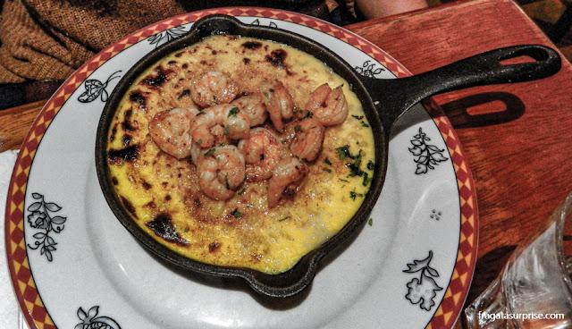 Mac'n'cheese com camarões servido no restaurante Bodega de la Trattoria, Lima, Peru