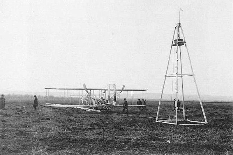 Аэроплан «Флайер А» и механизм запуска. Пилот Уилбер Райт. Франция, 1909