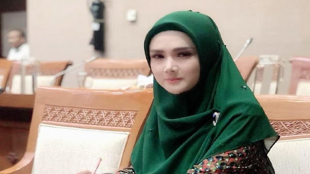 Tunjukkan Taringnya sebagai Anggota DPR, Mulan Jameela Protes Kebijakan WNA Masuk ke Indonesia Per 6 Juli 2021: Saudara Saya Aja Udah Vaksin Nggak Bisa, Jalannya Ditutup!