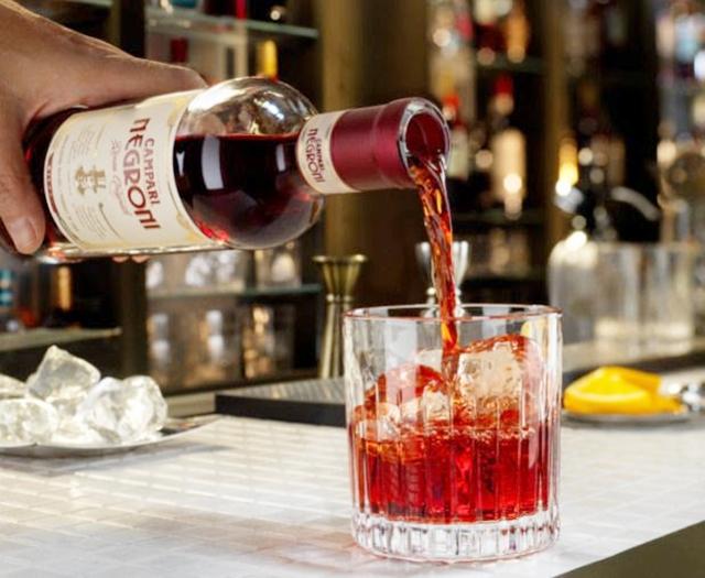 COMER & BEBER: Campari Brasil apresenta: Negroni Ready to Enjoy, versão pronta para beber de um dos drinks mais famosos no mundo