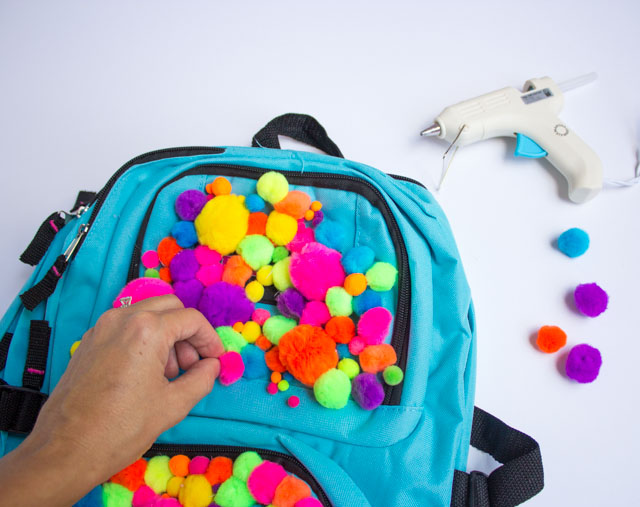 How to make a pom-pom backpack