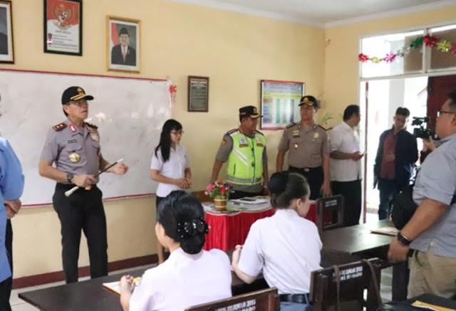 Sambangi SMA N 2 dan SMK Negeri 1 Manado , Kapolda Sulut beri pembinaan agar  berkreasi , dan Jauhi Perbuatan Negatif