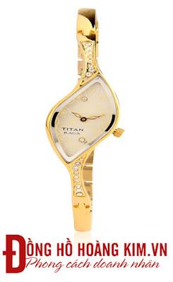 Đồng hồ titan nữ chính hãng