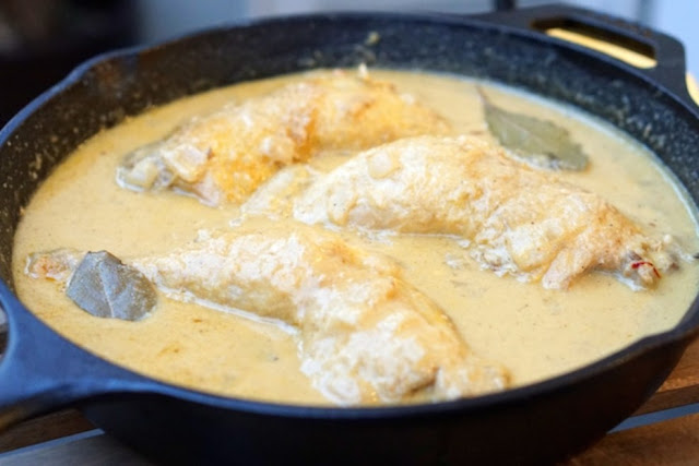 How to make chicken in almond sauce