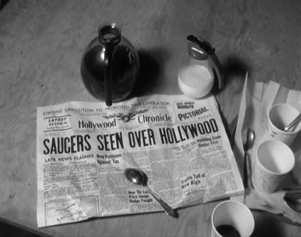 Saucers Seen Over Hollywood - Plan 9 From Outer Space