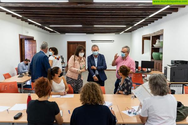 La Consejería de Obras Públicas, Transportes y Vivienda firma con el Cabildo de La Palma y los ayuntamientos el protocolo para establecer el registro único de afectados
