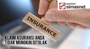 Tips Memilih Perusahaan Asuransi Mobil Terbaik   Asuransi atau yang kerap juga disebut dengan pertanggungan ini merupakan salah satu perlindungan yang kerap dijadikan pilihan oleh banyak orang untuk melindungi finansialnya. Saat ini ada banyak produk perlindungan yang bisa kita jadikan sebagai pilihan salah satu diantaranya adalah asuransi mobil all risk yang mampu memberikan jaminan yang baik untuk finansial setiap orang. Ada banyak keunggulan yang bisa kita rasakan dalam melindungi sebuah kendaraan melalui asuransi. Bagi anda yang tertarik, kini akan saya paparkan beberapa tips bermanfaat dalam memilih sebuah perusahaan asuransi terbaik agar kendaraan yang anda miliki bisa dilindungi oleh pihak yang tepat dengan pelayanan yang lebih baik.   1 . Usahakanlah untuk memilih sebuah perusahaan yang menyediakan berbagai macam produk asuransi agar bisa anda jadikan sebagai pilihan. Semakin banyak produk asuransi yang ditawarkan, maka anda pun akan semakin mudah untuk menyesuaikannya dengan kebutuhan dan alokasi dana yang anda miliki saat ini. Selain itu, pilihlah produk asuransi mobil all risk yang mampu melindungi anda dari berbagai macam kerugian sekaligus. Beberapa kerugian yang dilindunginya tersebut diantaranya seperti kerugian akibat kehilangan, kerusakan dan beberapa perlindungan lainnya yang bisa anda jadikan sebagai pilihan jaminan yang tepat untuk mobil kesayangan anda.   2 . Pilihlah perusahaan yang sudah memiliki reputasi yang tinggi bagi setiap orang. Reputasi ini bisa anda nilai sendiri dari rekomendasi setiap orang yang telah berpengalaman. Saat ini mencari rekomendasi dan referensi sangat mudah sekali baik dari teman terdekat, keluarga maupun melalui internet yang saat ini sudah digunakan sebagai sarana informasi yang bisa kita akses dimana pun dan kapan pun juga. Rekomendasi merupakan salah satu hal yang penting juga untuk dapat anda ketahui.   Kedua cara di atas merupakan cara yang paling mendasar bagi setiap orang dalam memilih perusahaan asuransi yang 