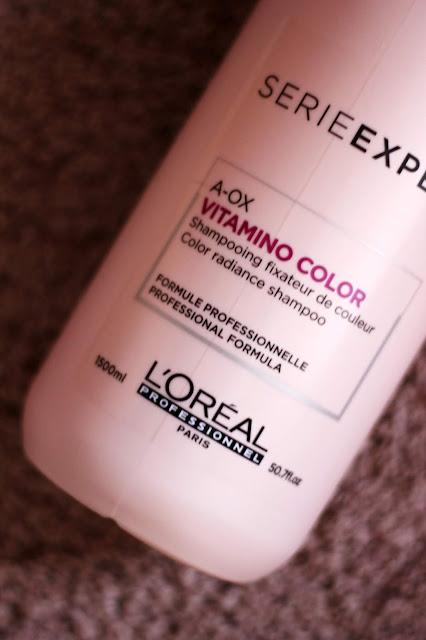 Balenie šampónu L'Oréal Professionnel Serie Expert Vitamino Color AOX