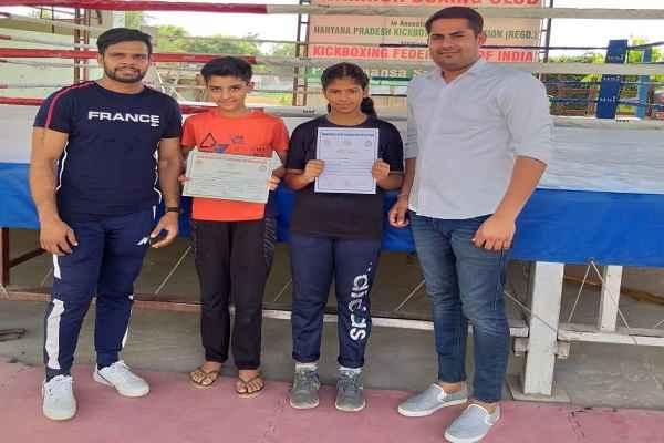 sagar-narwat-worrier-boxing-club-madhvi-narwat-win-gold-deepika