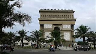 Berkunjung di Monumen Simpang Lima Gumul Kediri