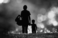 """puisi ibu """"Meskipun Nyawa Taruhannya"""""""