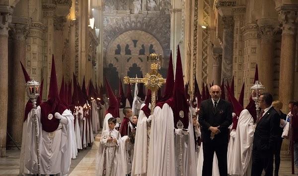 El Arzobispo de Sevilla confirma que la mitad de las Hermanas de la Cruz contagiadas han sido dadas de alta
