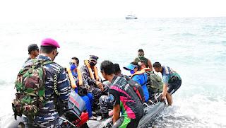 TNI AL Gelar Vaksinasi Masyarakat Maritim Perbatasan RI Distrik Oekusi NTT