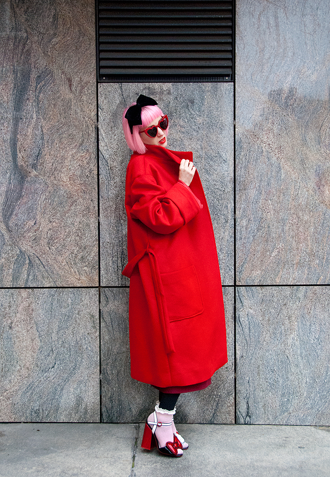 M.Luna, red coat, blogger